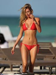http://img276.imagevenue.com/loc152/th_260105189_lauren_stoner_bikini_topless_march19_2012_12_123_152lo.jpg