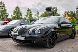 th_315245159_Jaguar_S_Type_R_122_362lo