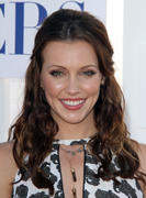 http://img276.imagevenue.com/loc390/th_644447199_Katie_Cassidy_CW_CBS_Showtime_Summer_TCA_Party2_122_390lo.jpg