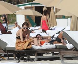 http://img276.imagevenue.com/loc50/th_312820880_Mischa_Barton_Bikini_Candids_on_the_Beach_in_Miami_December_27_2011_254_122_50lo.jpg