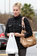 Rebecca Romijn grabs lunch at Thai food restaurants in Calabasas 23-03-2011
