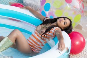 Noelle Monique - So Hot She´s Cool [Zip]o5jcq0jnpw.jpg